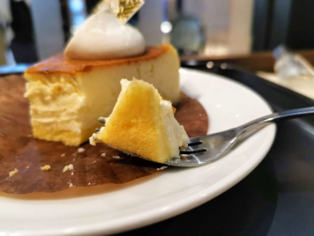 カフェカルディーノ バスクチーズケーキ (18)