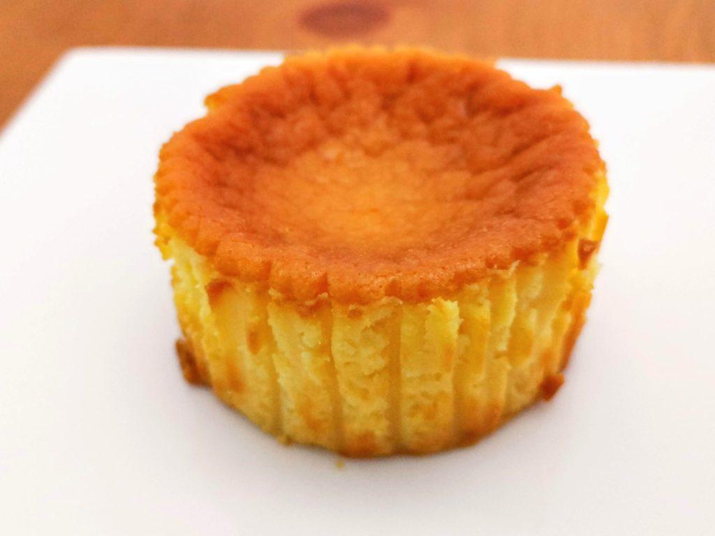 セブンイレブン デリカシェフ バスクチーズケーキ (10)
