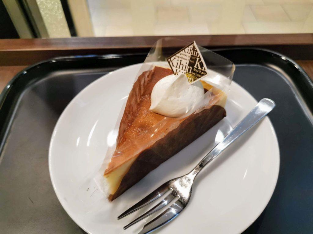 カフェカルディーノ バスクチーズケーキ (4)