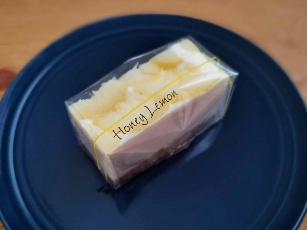コガネイチーズケーキ ハニーレモンチーズケーキ (1)