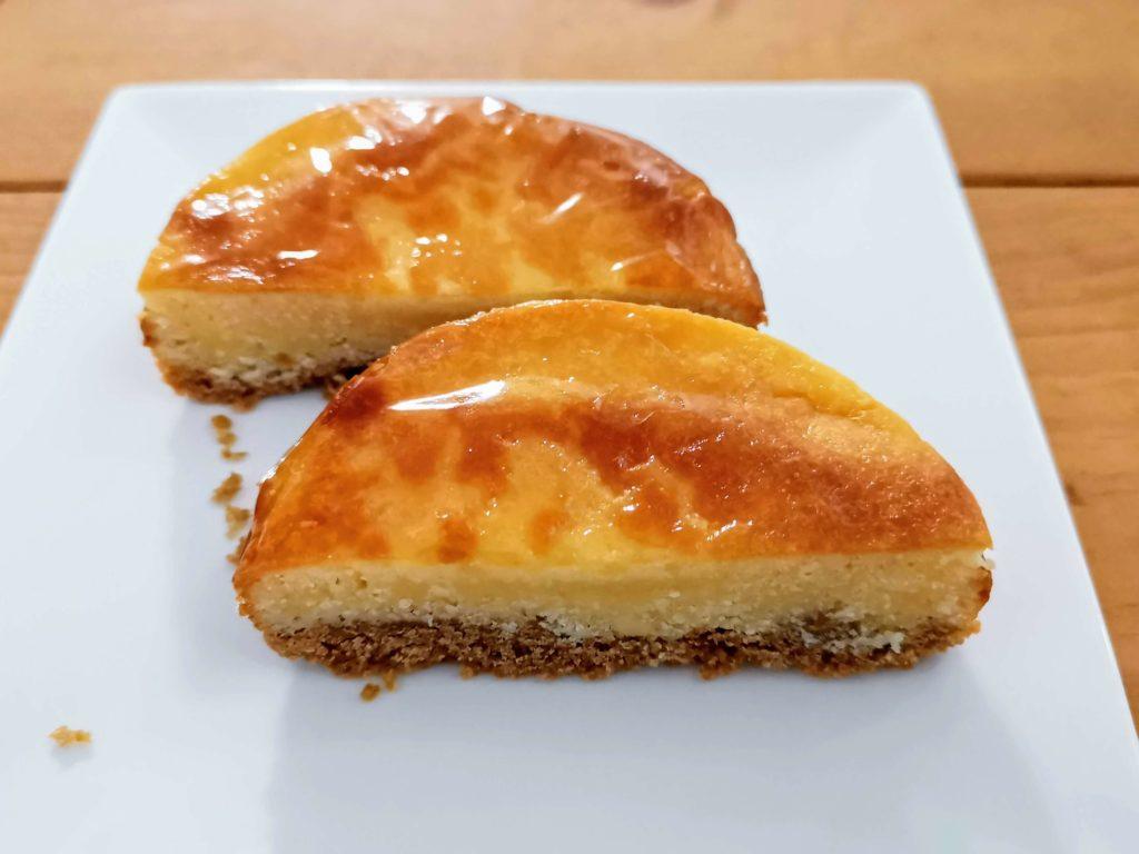 【ファミリーマート・敷島製パン】コク深い味わい・ベイクドチーズタルト (9)