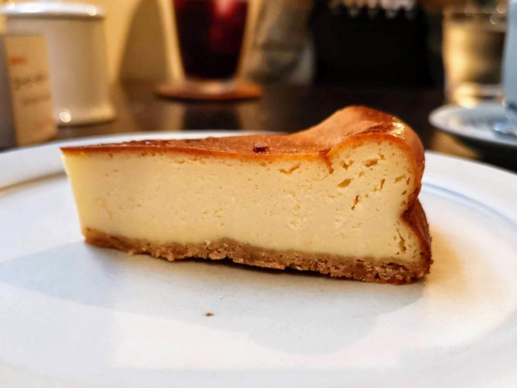 中野 ムトウコーヒーロースタリー ベイクドチーズケーキ