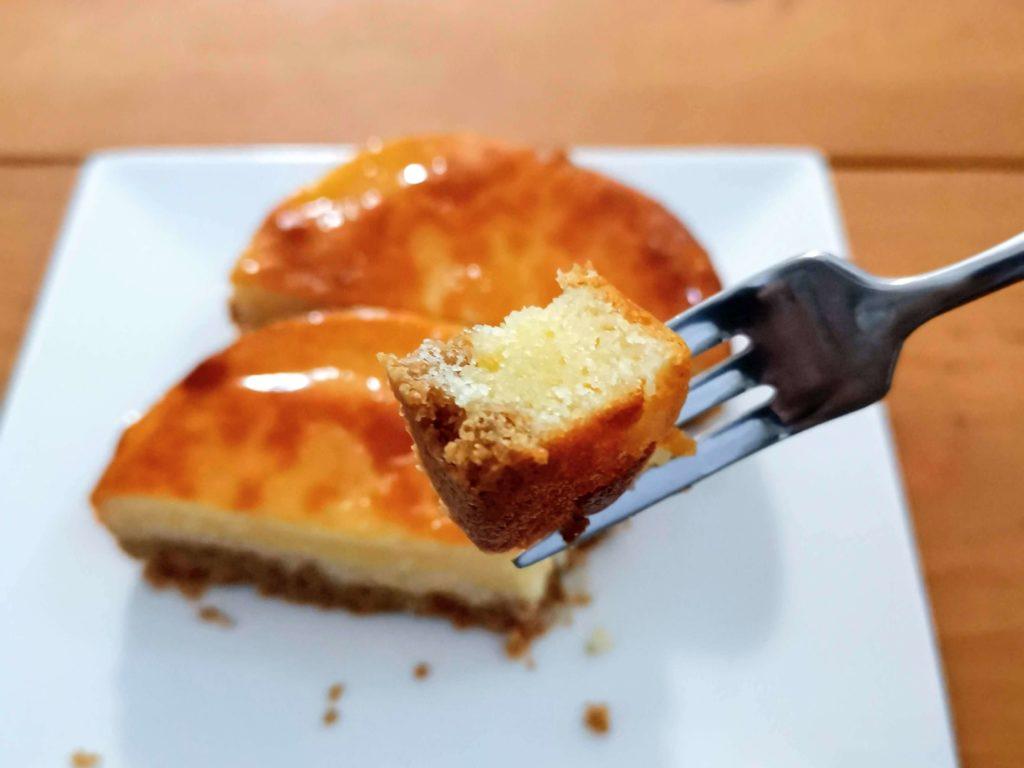 【ファミリーマート・敷島製パン】コク深い味わい・ベイクドチーズタルト (13)