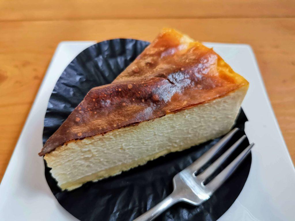 コージーコーナー とろけるバスクチーズケーキ (16)