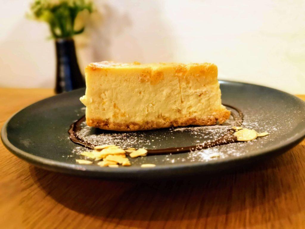 新宿move cafe はちみつレモンのNYチーズケーキ (6)