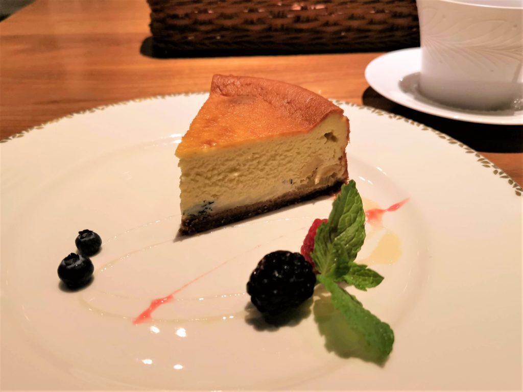 銀座 ミタスカフェ 自家製チーズケーキ