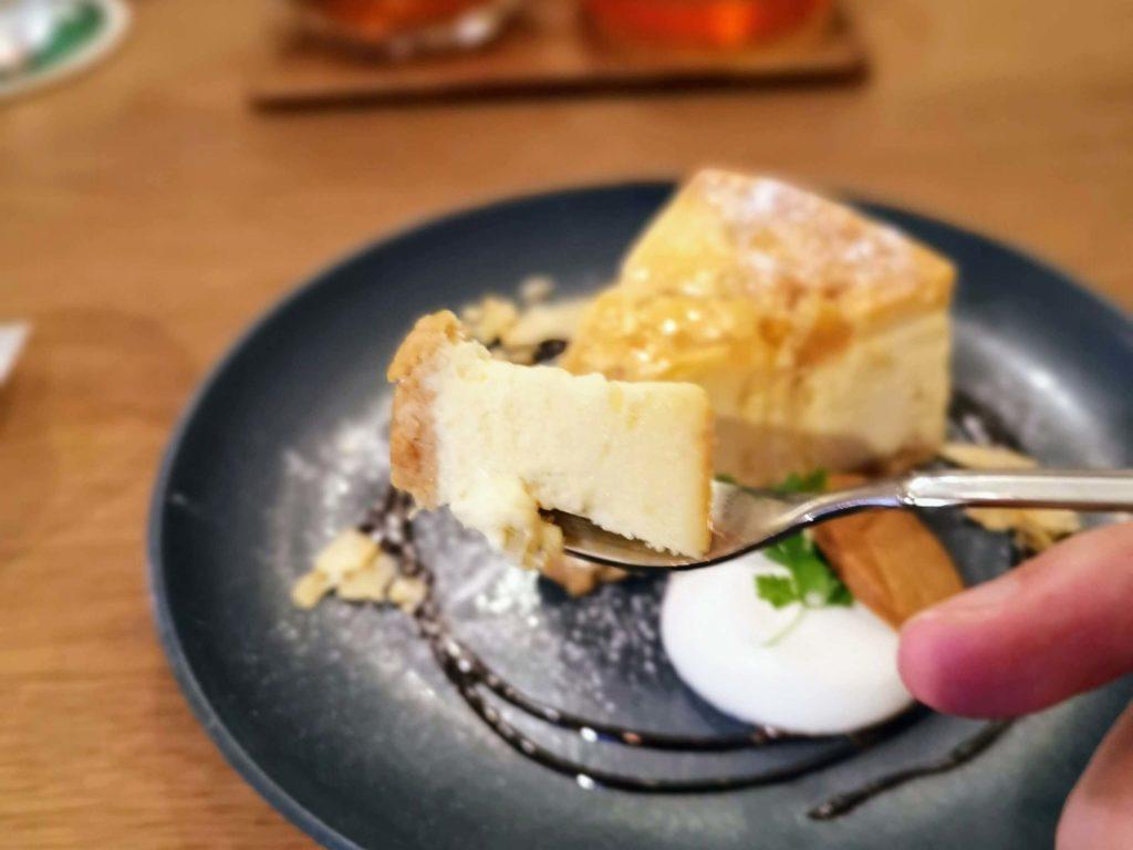 新宿move cafe はちみつレモンのNYチーズケーキ (13)
