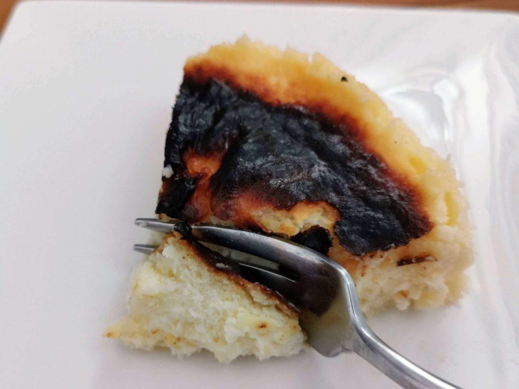 リトルローザンヌ 生バスクチーズケーキ (14)