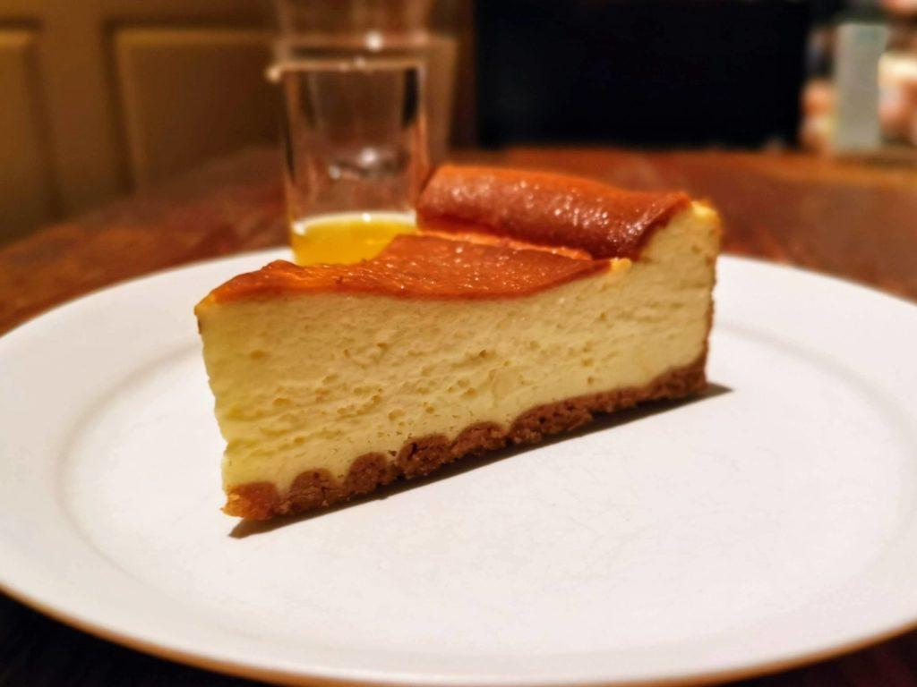ブルックリンパーラー ニューヨークベイクドチーズケーキ (4)