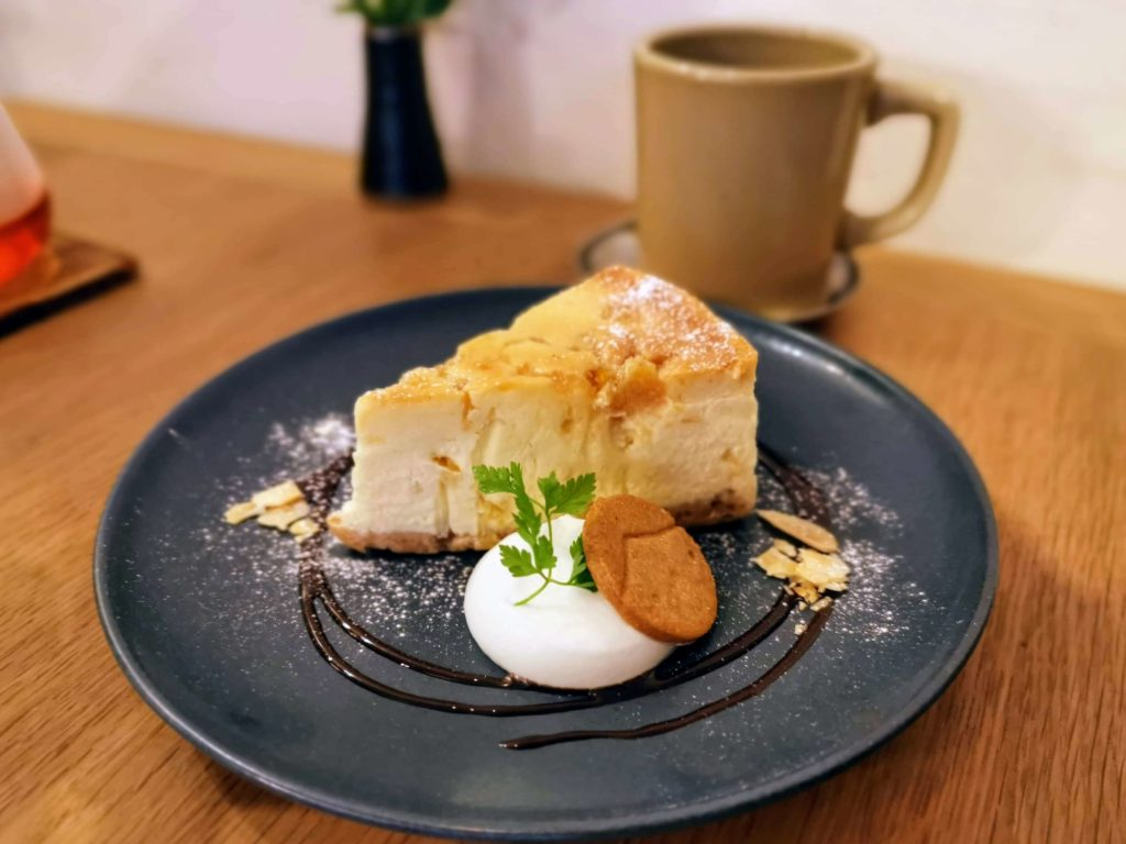 新宿move cafe はちみつレモンのNYチーズケーキ (1)