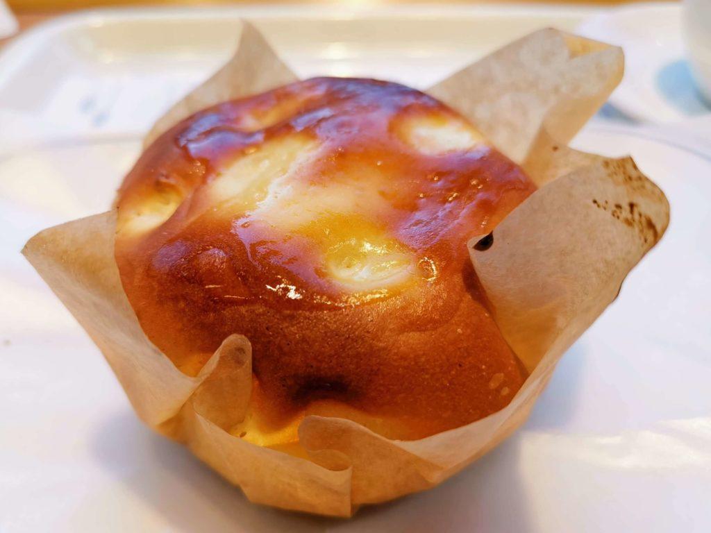 ヴィ・ド・フランス 4種チーズのケーキパン (1)