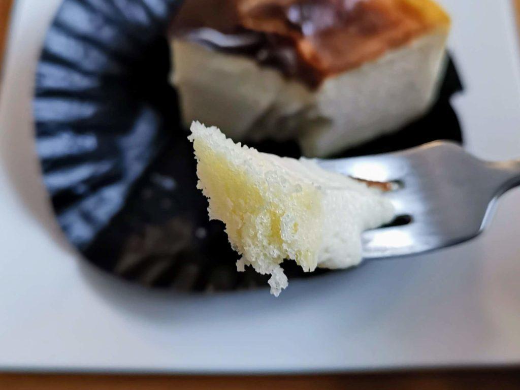 コージーコーナー とろけるバスクチーズケーキ (1)
