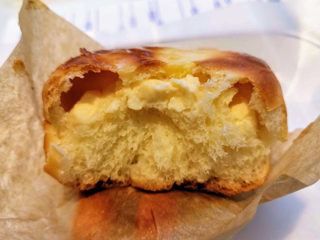 ヴィ・ド・フランス 4種チーズのケーキパン (3)