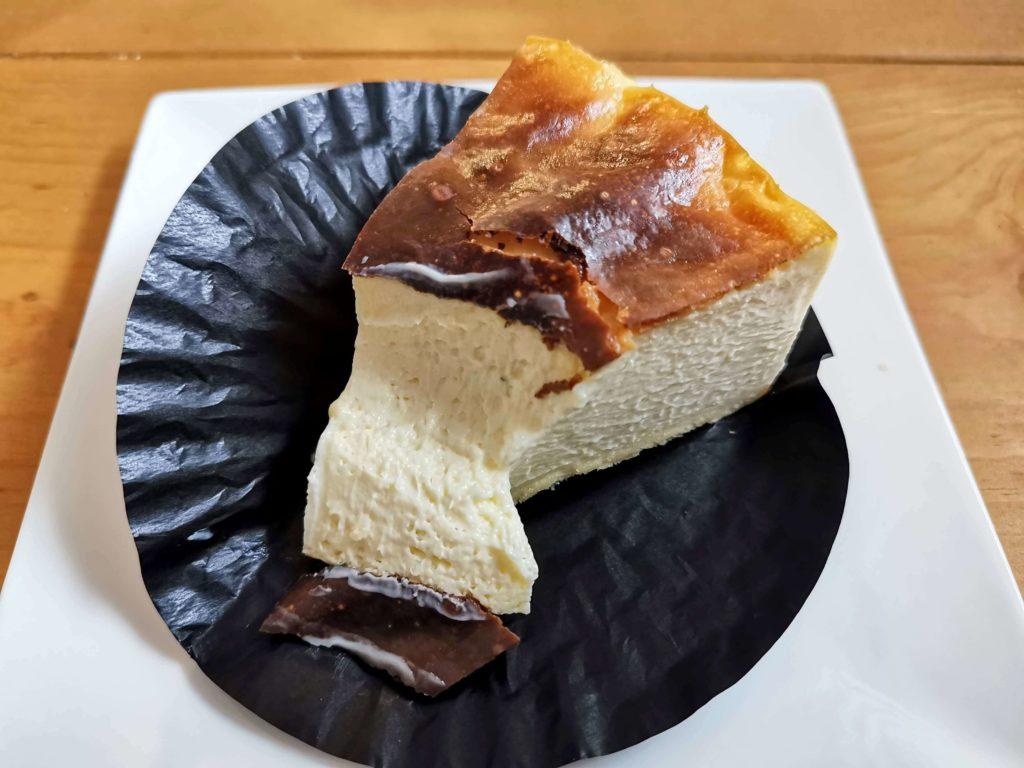 コージーコーナー とろけるバスクチーズケーキ (19)