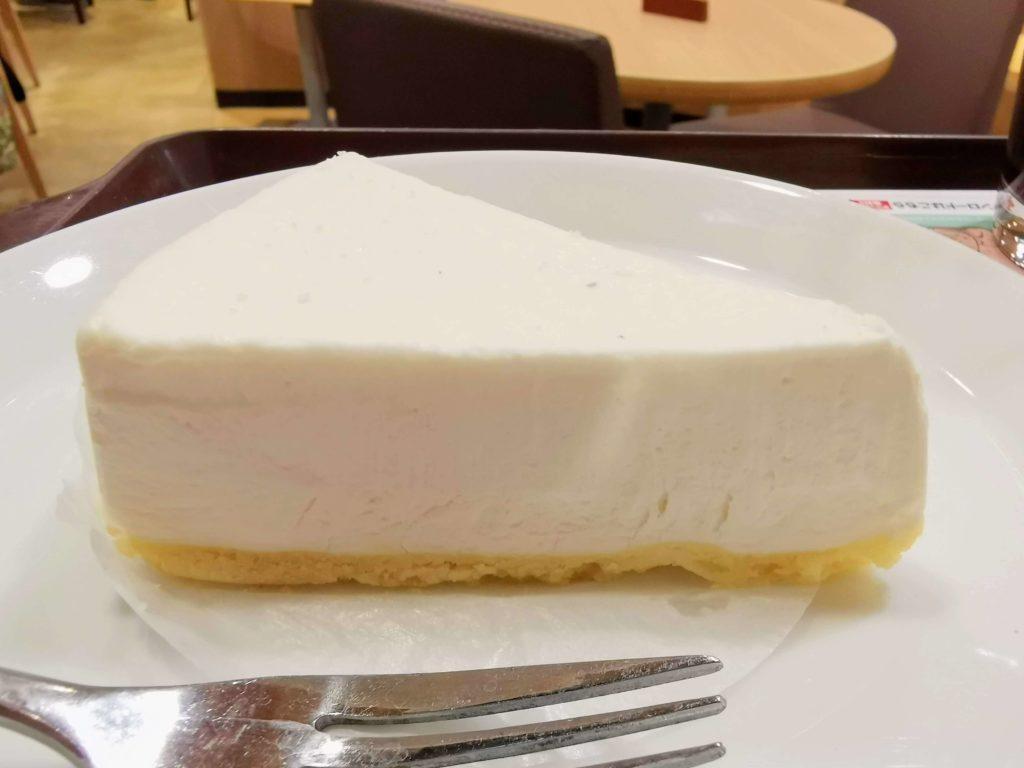 ロッテリア レアチーズケーキ (1)