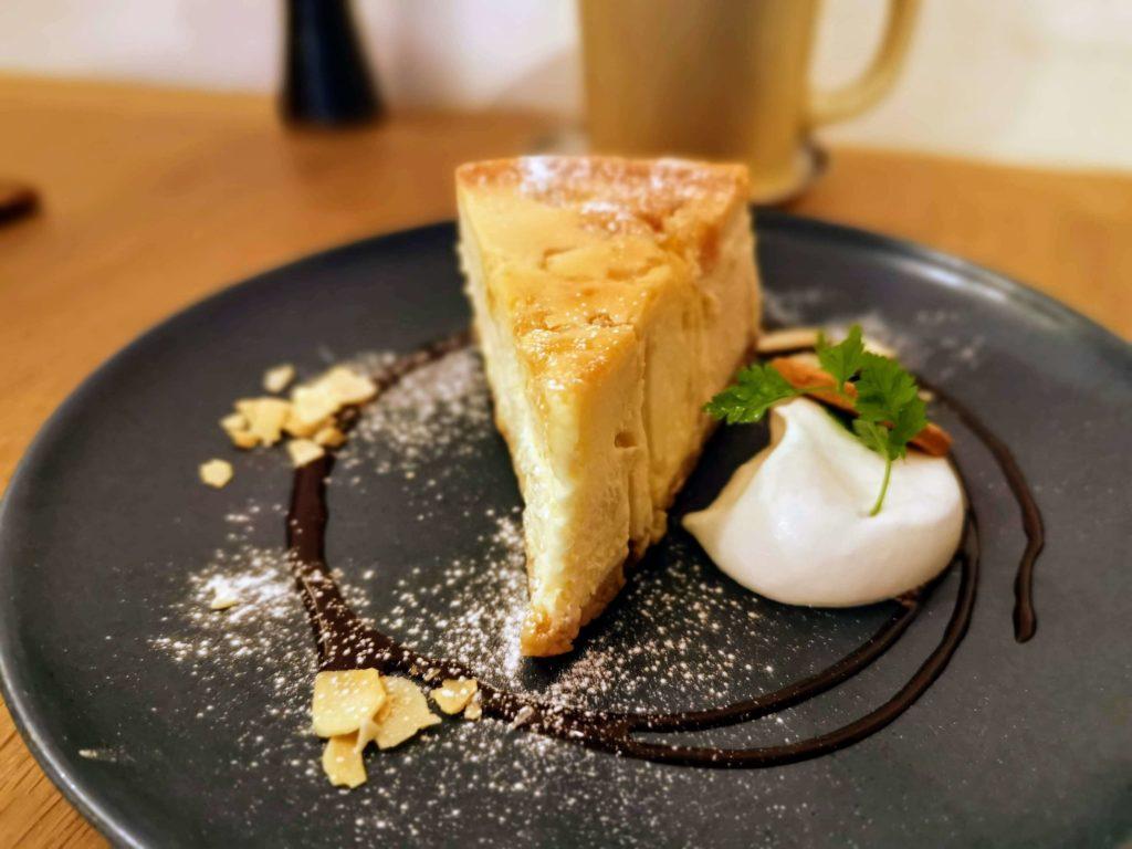 新宿move cafe はちみつレモンのNYチーズケーキ (3)