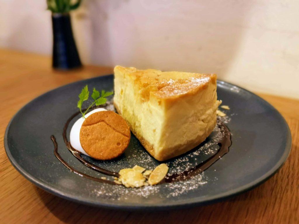 新宿move cafe はちみつレモンのNYチーズケーキ (9)
