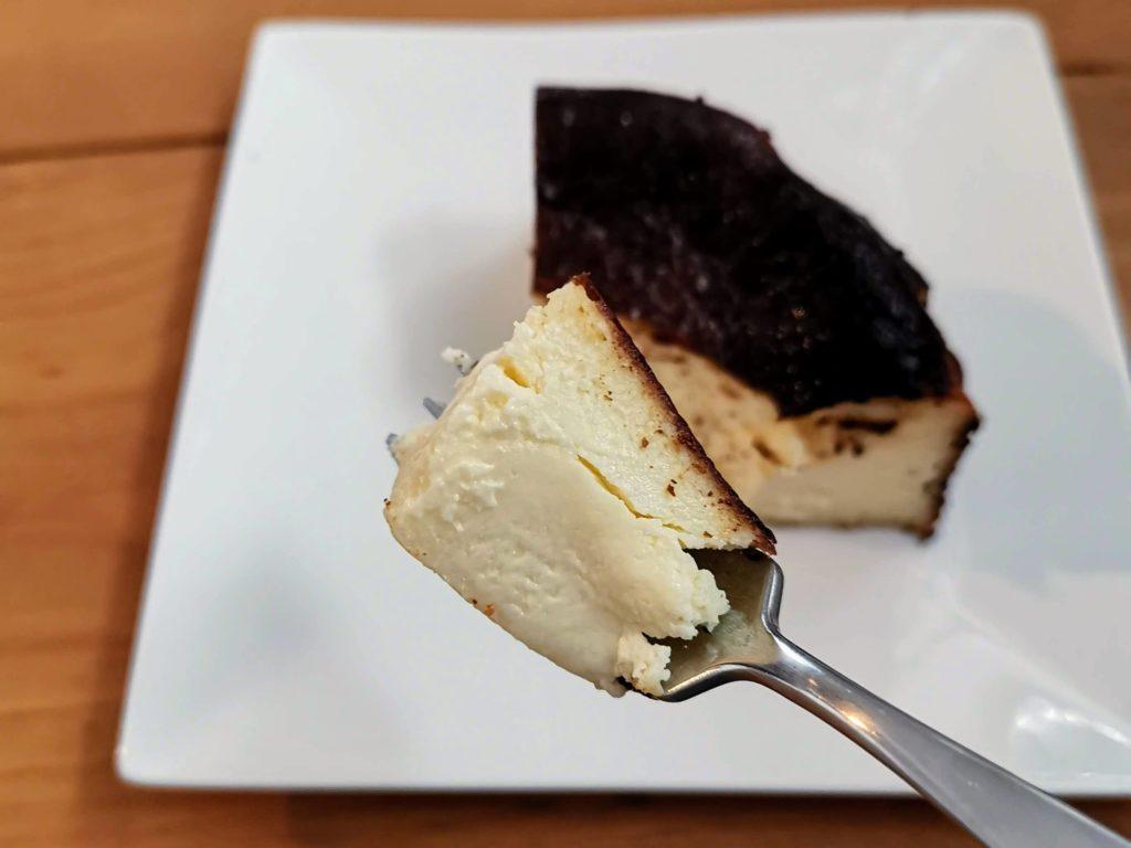 カオリーヌ菓子 バスクのチーズケーキ (21)