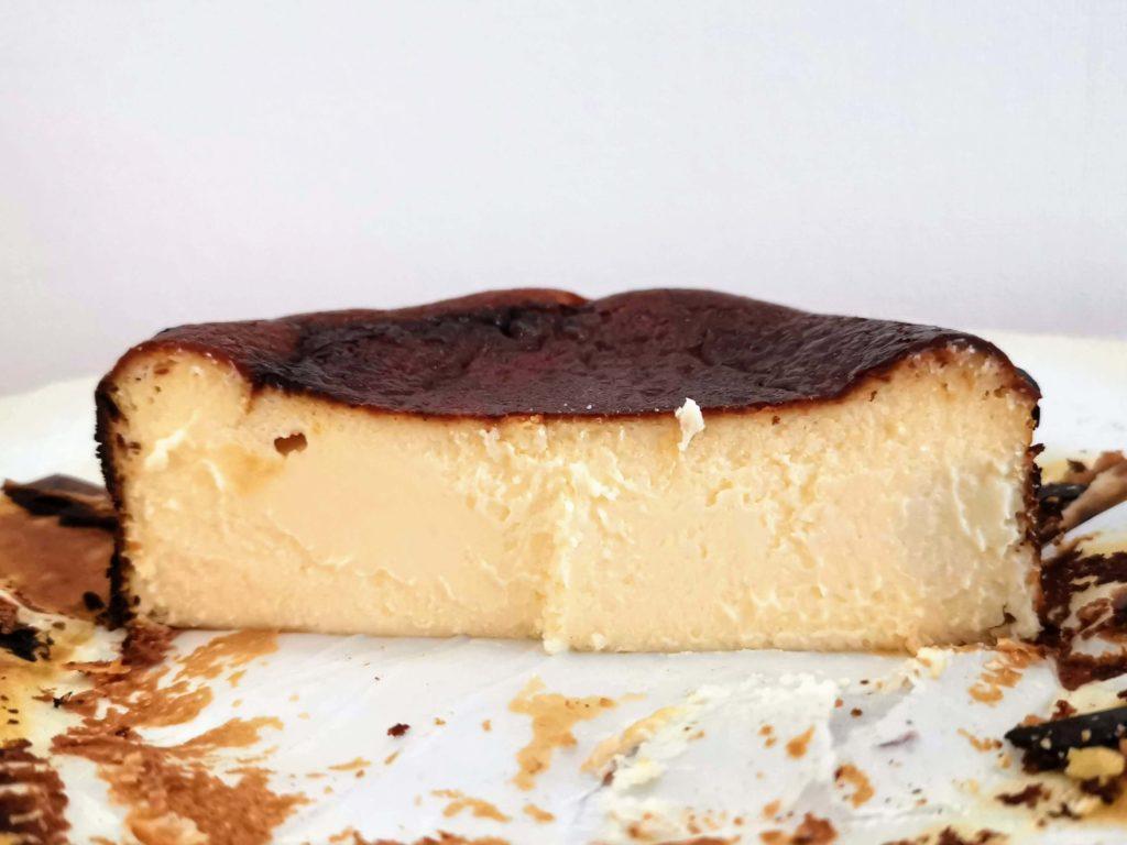 カオリーヌ菓子 バスクのチーズケーキ (16)
