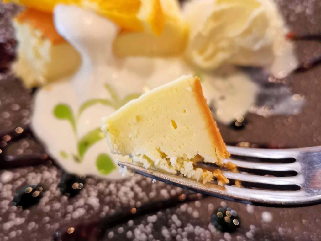 Cafe & Dining ICHI no SAKA 都立大学 福岡糸島地養卵のベイクドチーズケーキ (1)