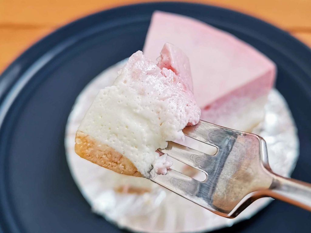 チーズケーキやまぐち ラズベリー(レアチーズケーキ) (9)