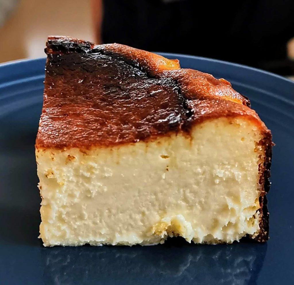 カオリーヌ菓子 バスクのチーズケーキ (1)