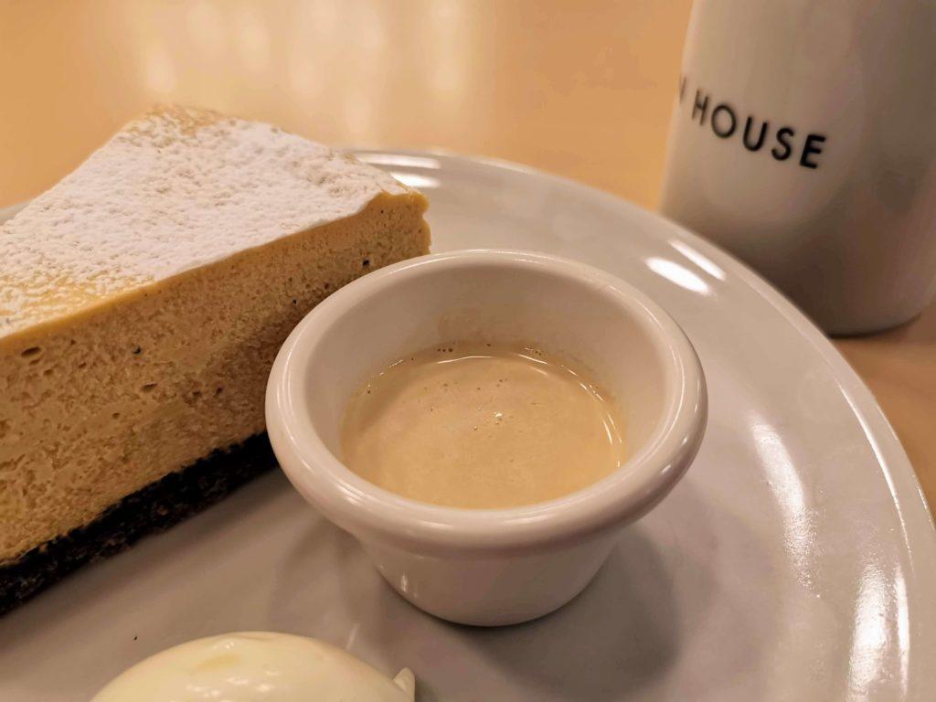 ガーデンハウス新宿 ほうじ茶チーズケーキ (12)