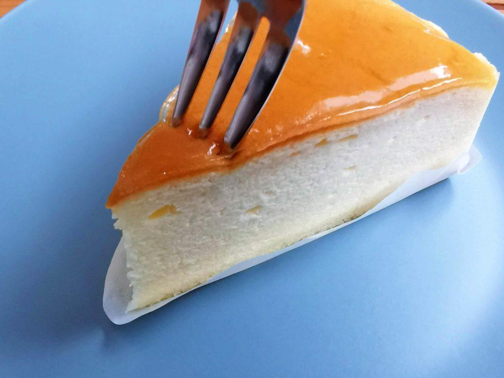 山崎製パン チーズスフレ (11)