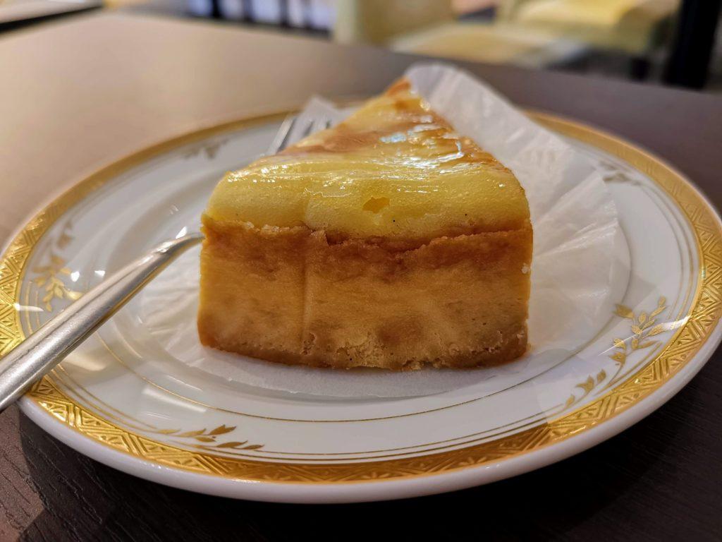 カフェ・ド・パリ(新大阪ワシントンホテルプラザ) ベイクドチーズケーキ (8)