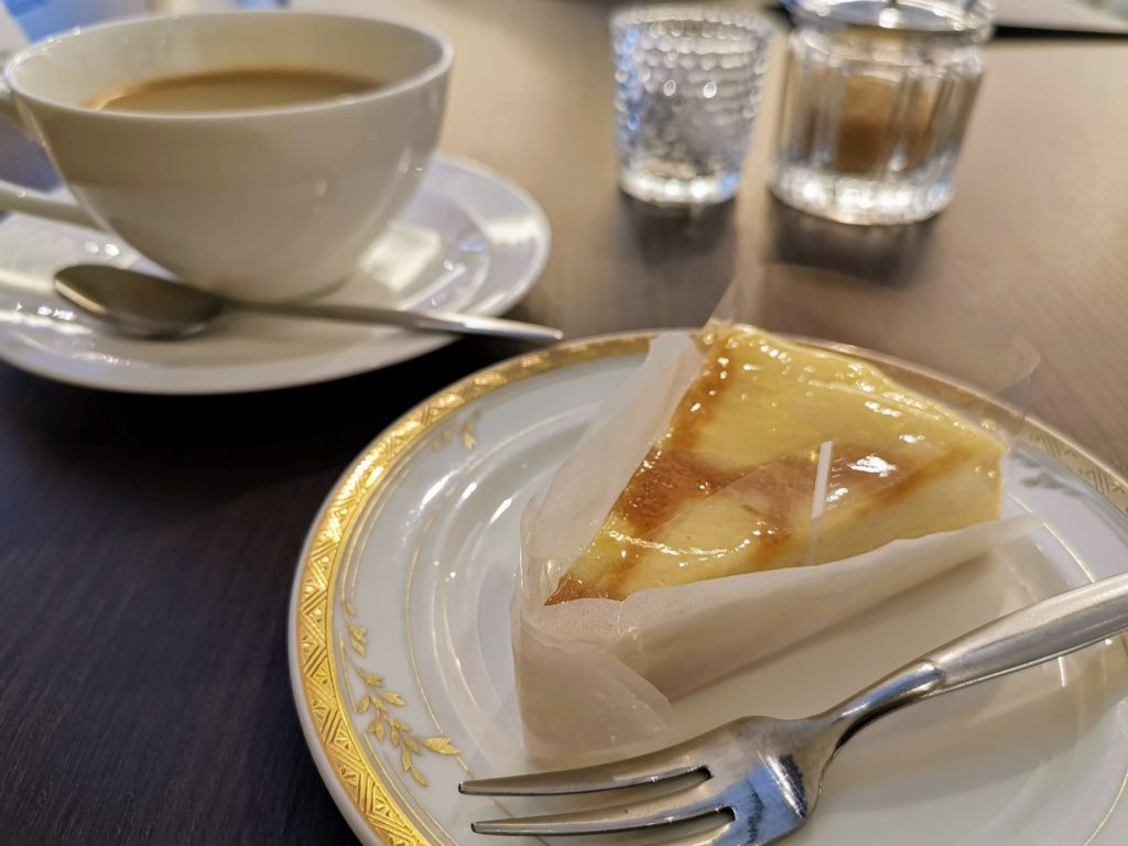 カフェ・ド・パリ(新大阪ワシントンホテルプラザ) ベイクドチーズケーキ