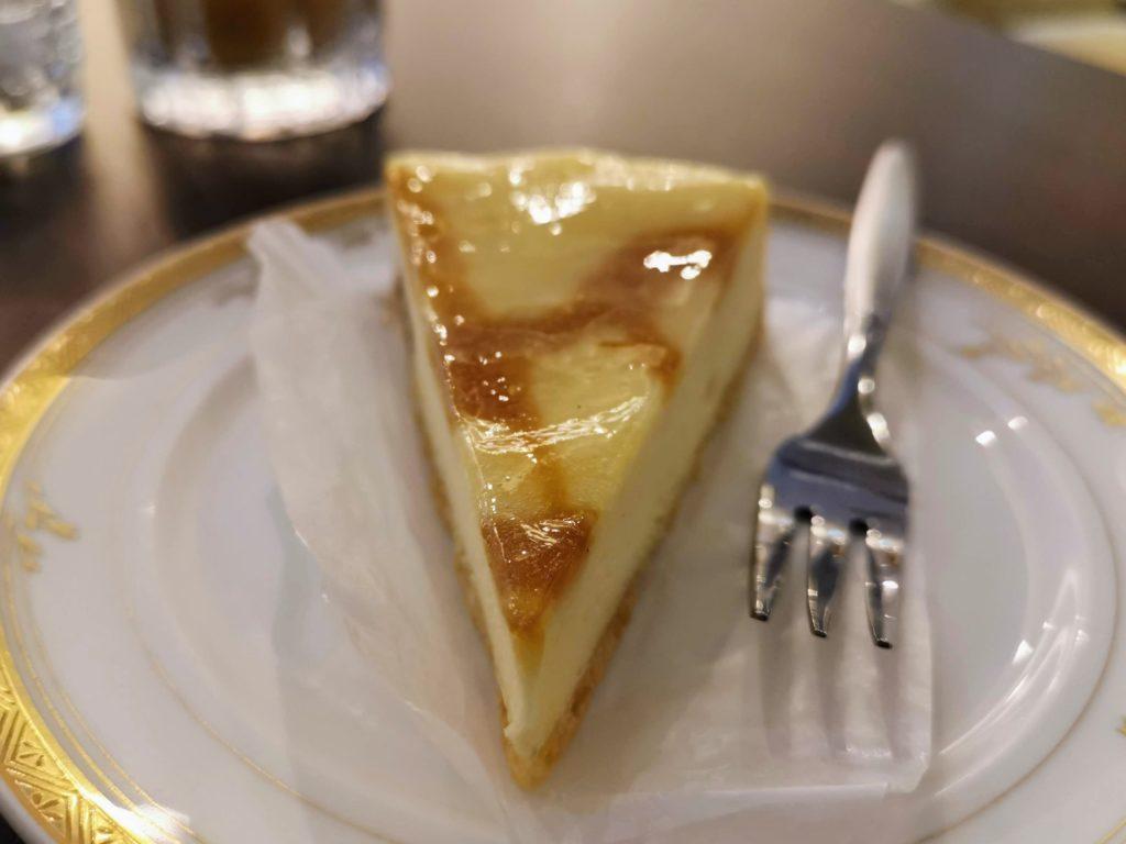 カフェ・ド・パリ(新大阪ワシントンホテルプラザ) ベイクドチーズケーキ (5)
