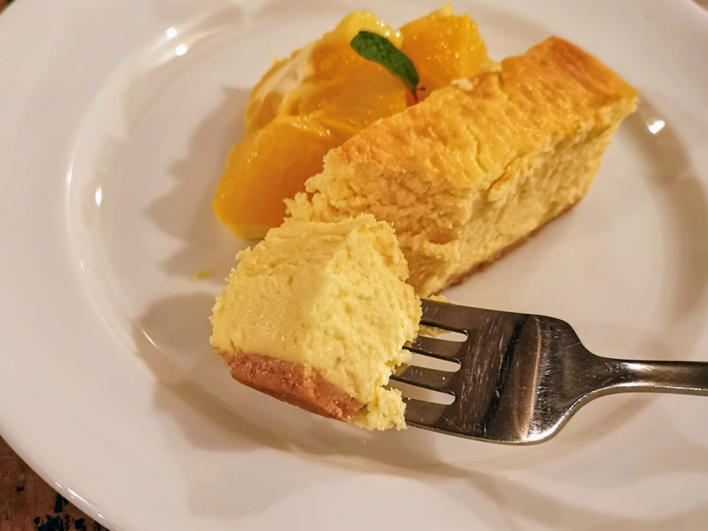 A to Z cafe 濃厚チーズケーキとオレンジマリネ