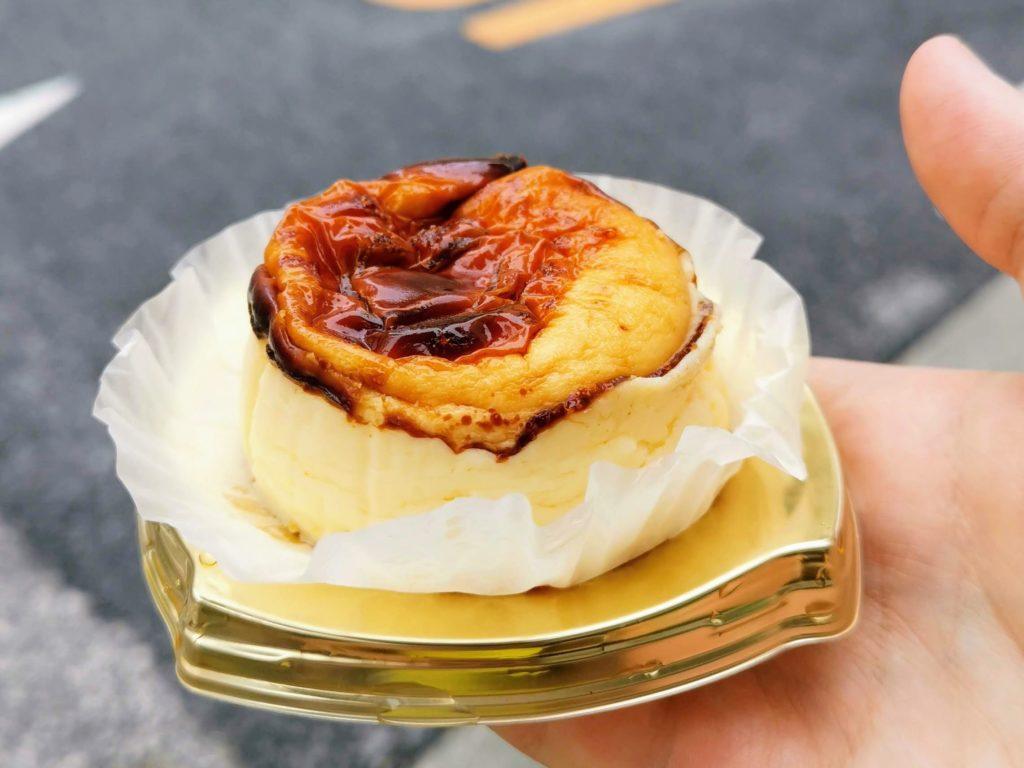 成城石井 バスクチーズケーキ (1)
