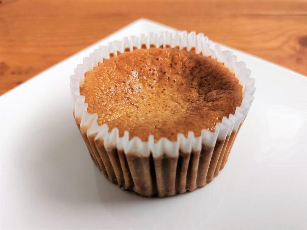 セブンイレブン キャラメルバスクチーズケーキ (2)