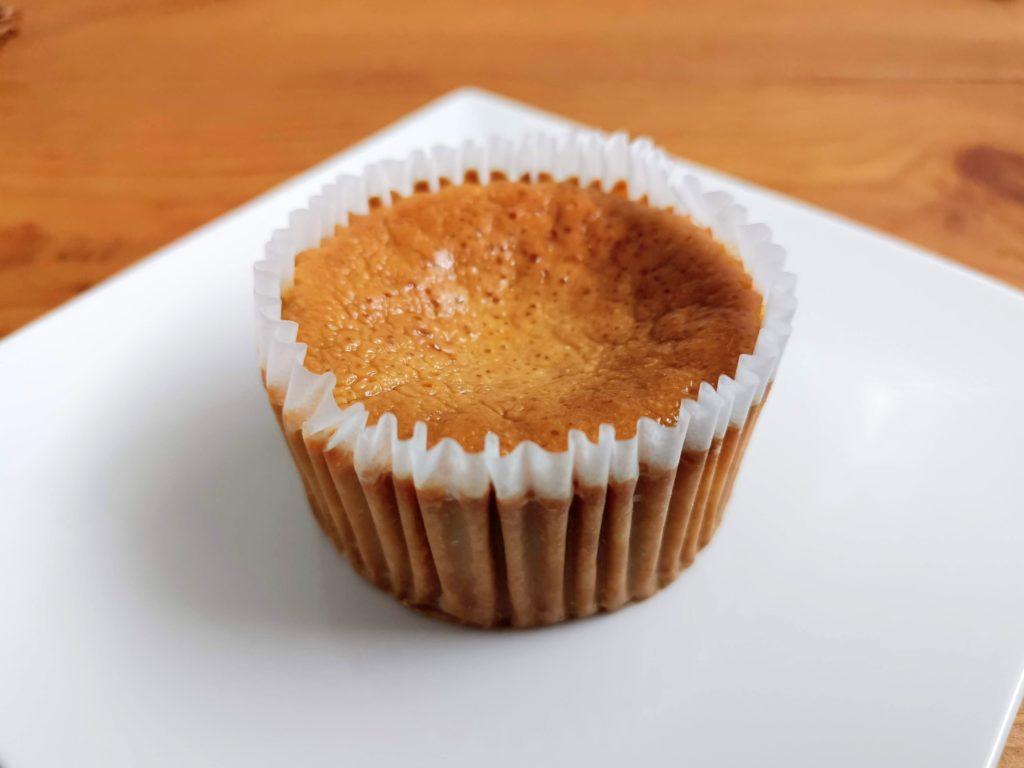 セブンイレブン キャラメルバスクチーズケーキ (6)