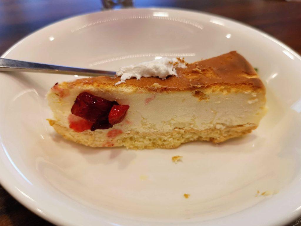 ジョナサン ヨーグルトチーズケーキパフェ (1)