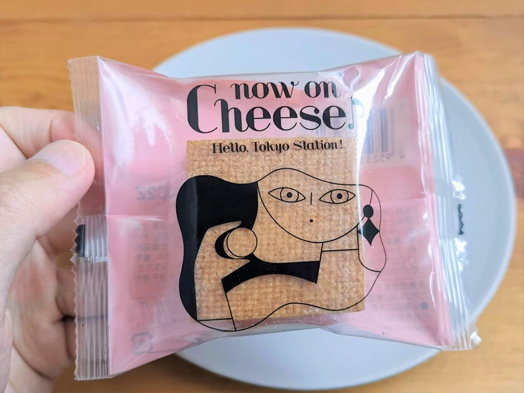 Now on Cheese チーズケーキサンド ストロベリー