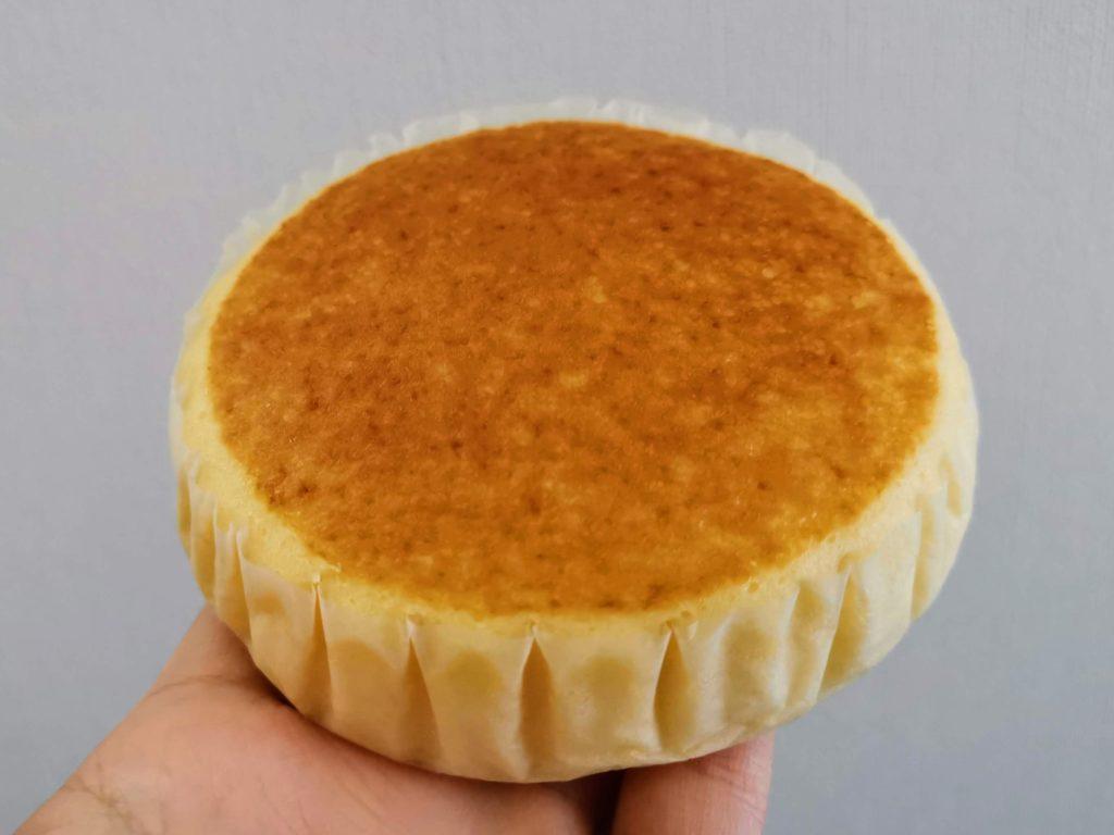セブンイレブン 北海道チーズ蒸しケーキ (1)