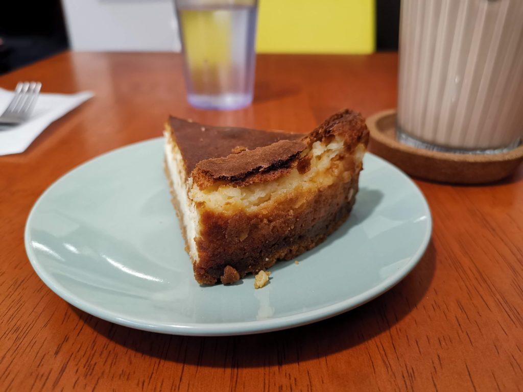 アラビックカフェ & デリ アブイサーム チーズケーキ (4)_R