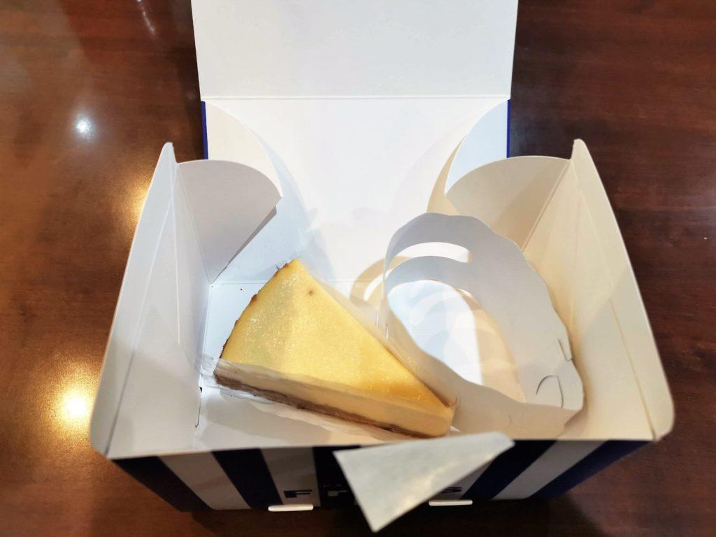新中野 Frips(フリップス)メープルチーズケーキ