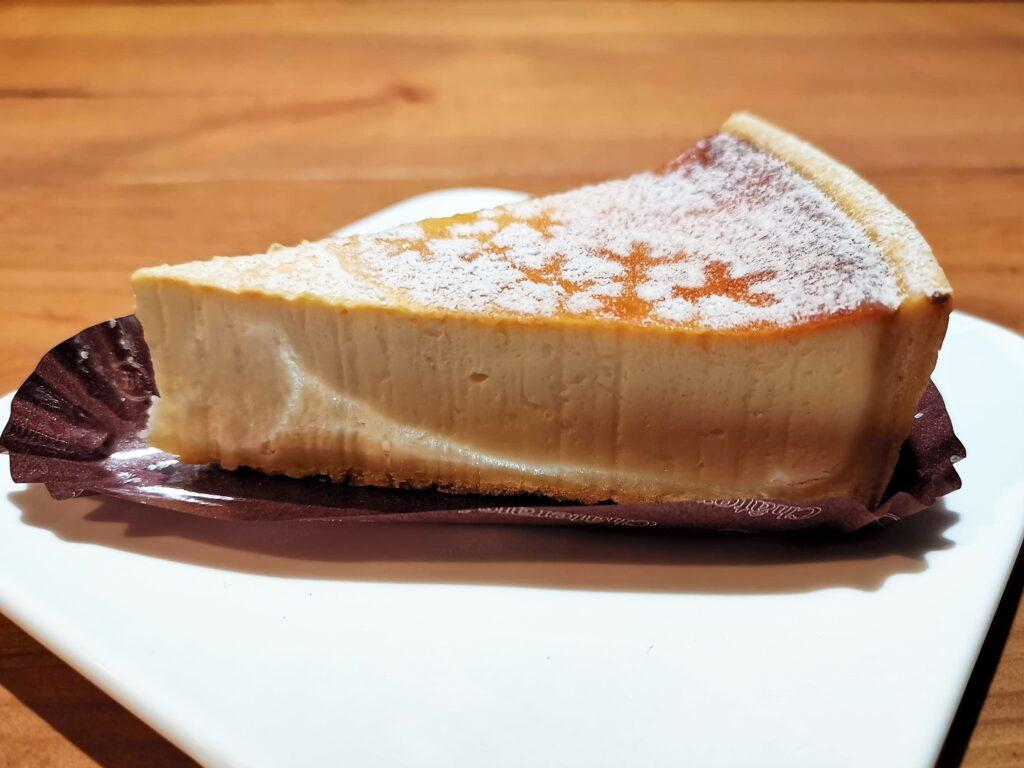 シャトレーゼ 濃厚ベイクドチーズケーキ (3)_R