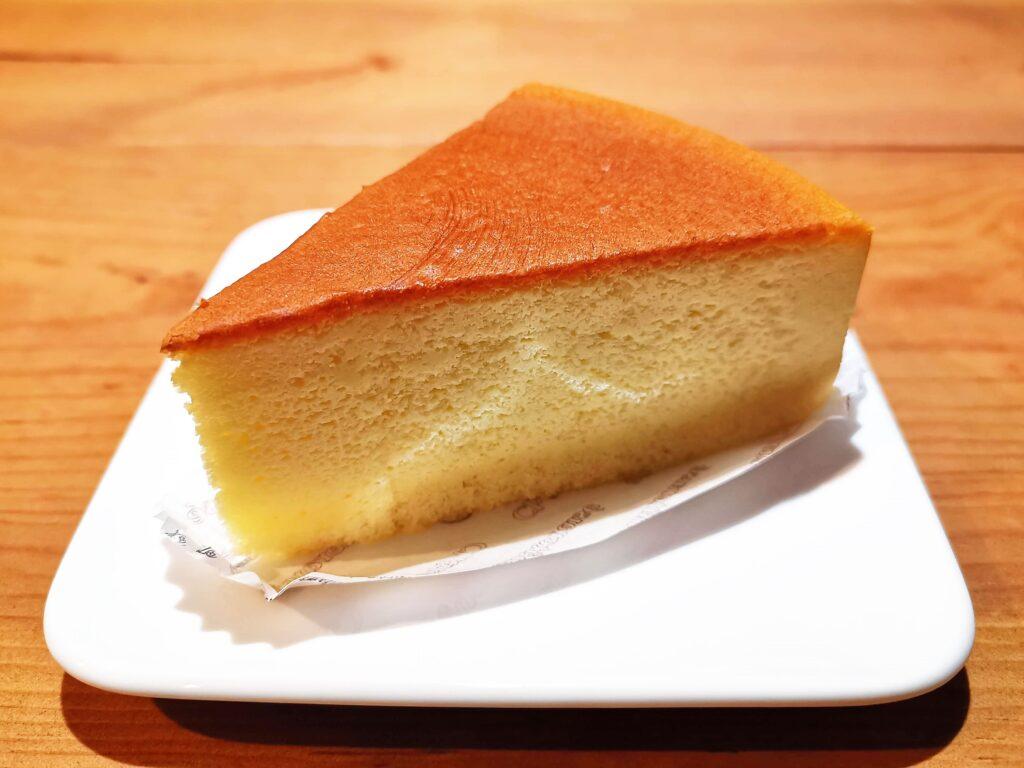 シャトレーゼ ふわふわスフレチーズケーキ (5)_R