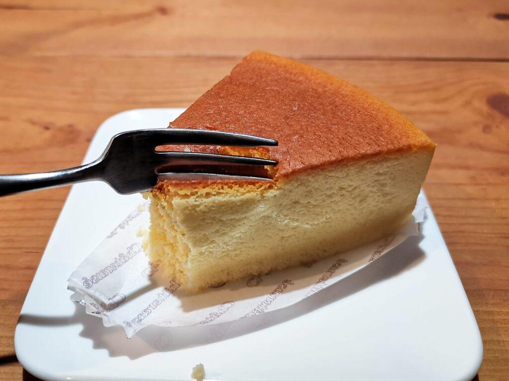 シャトレーゼ ふわふわスフレチーズケーキ (1)_R