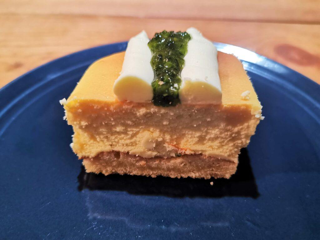 成城石井 プレミアムチーズケーキ(イタリアン産シチリアレモンのチーズケーキ)の写真 (8)