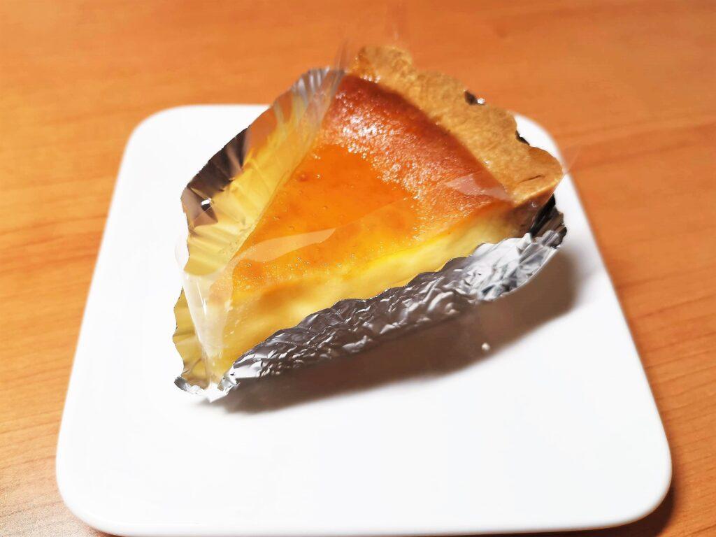 神田 近江屋洋菓子店 ベイクドチーズケーキの写真 (1)