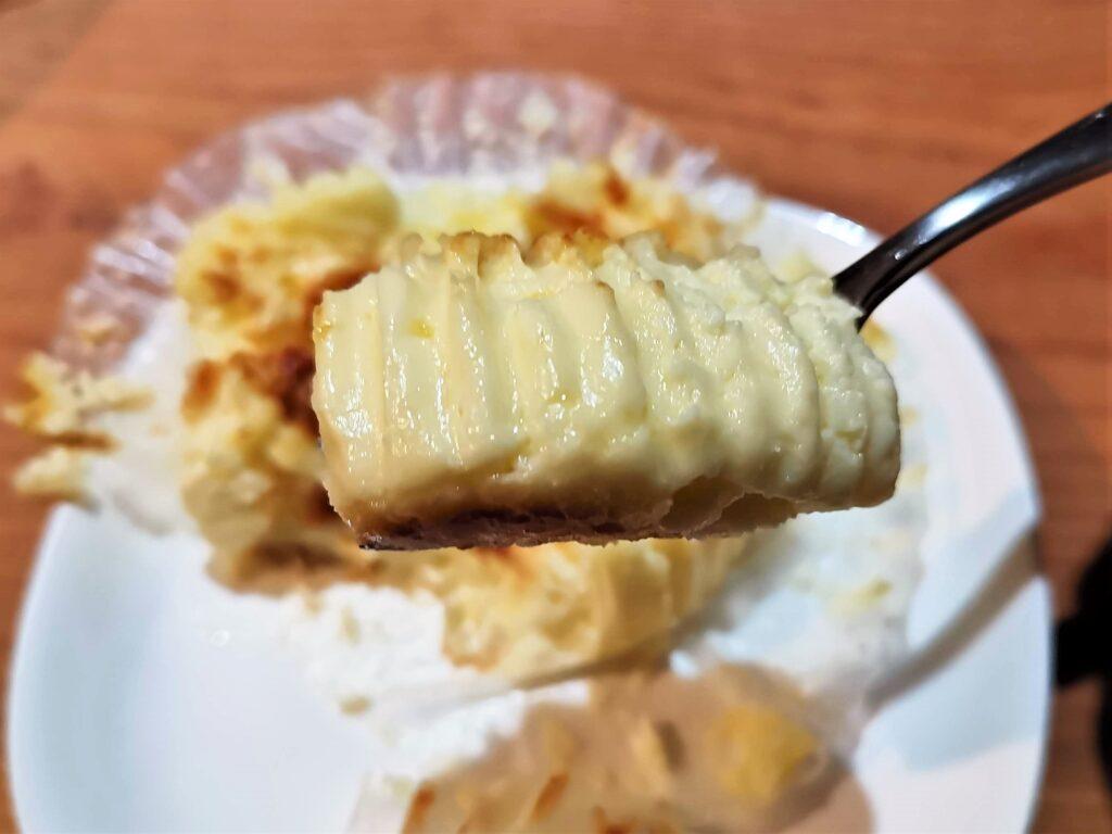 サミット 北海道産直牛乳を使ったバスクチーズケーキ (6)_R