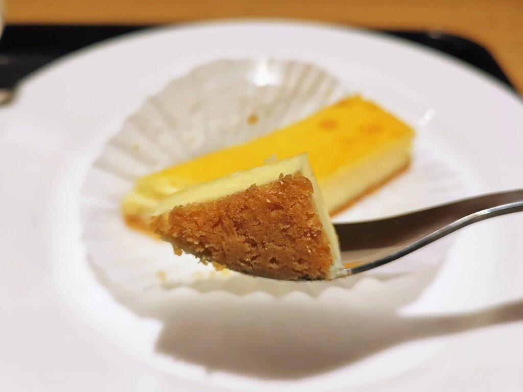 5 CROSSTIES COFFEE(ファイブ クロスティーズ コーヒー) チーズケーキ (1)