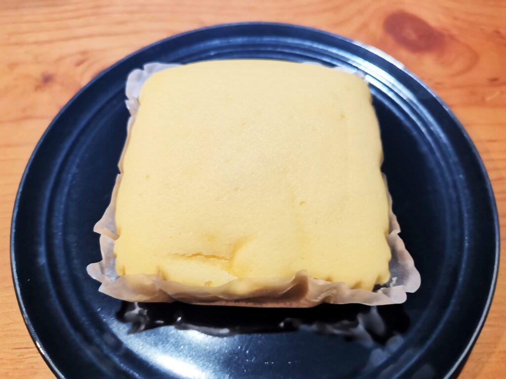 ファミリーマート 濃い味チーズケーキの写真 (9)