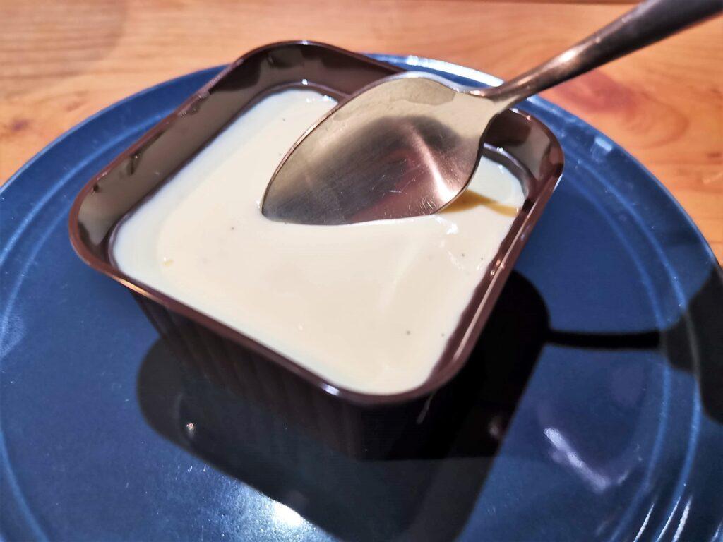 ファミリーマート(ロピア)の「チーズテリーヌ バニラソース仕立て」の写真 (17)