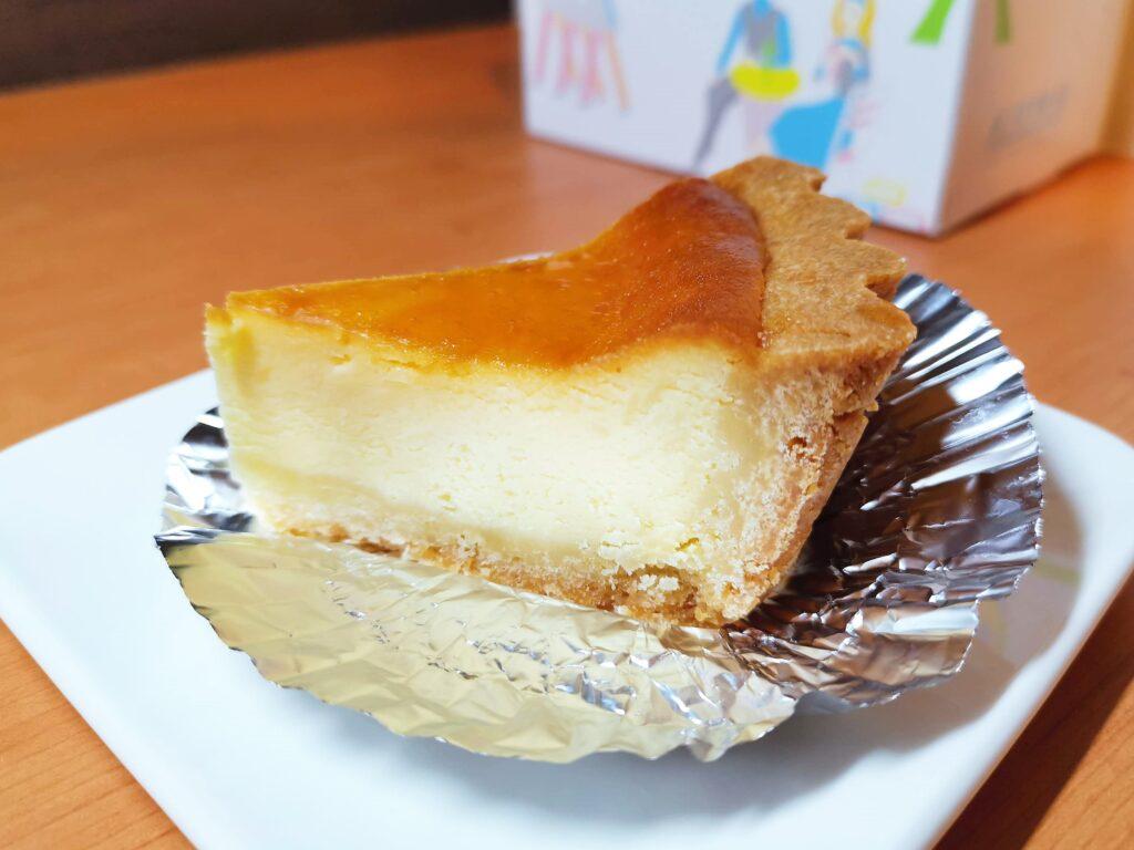 神田 近江屋洋菓子店 ベイクドチーズケーキの写真 (4)